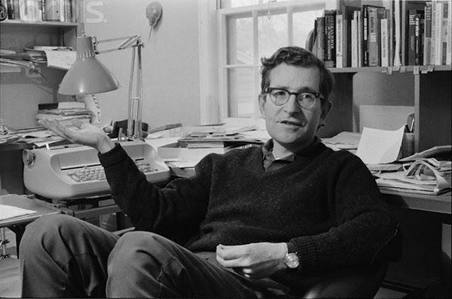 El Joven Noam Chomsky