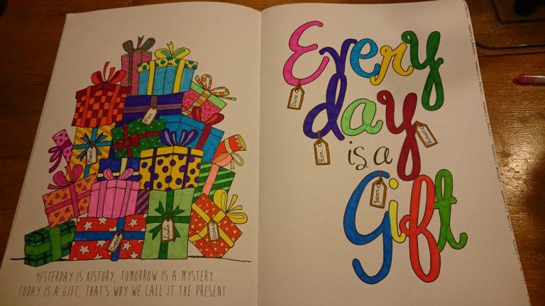 Perfectsweetcolors kleur je dag for Gekleurd papier action
