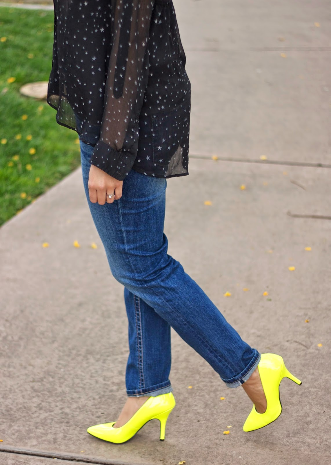 Neon yellow heels with jeans, denim with neon yellow heels, pop of neon yellow