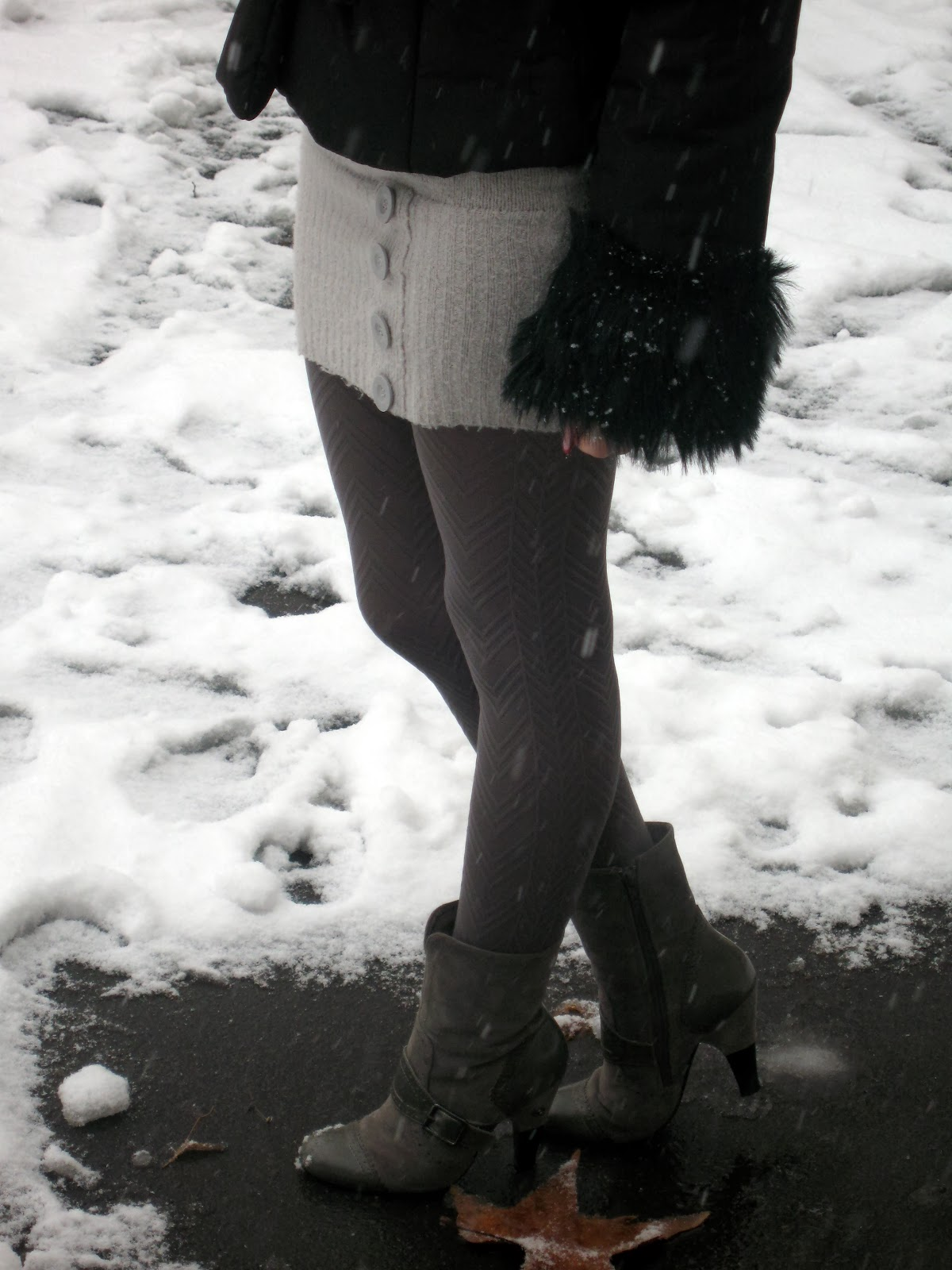 grey tights, grey boots