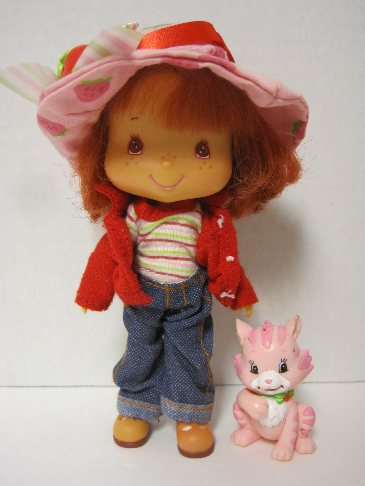 Never Grow Up: A Mom's Guide to Dolls and More: Strawberry ...