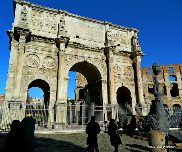 Arco de Constantino, Fórum Romano