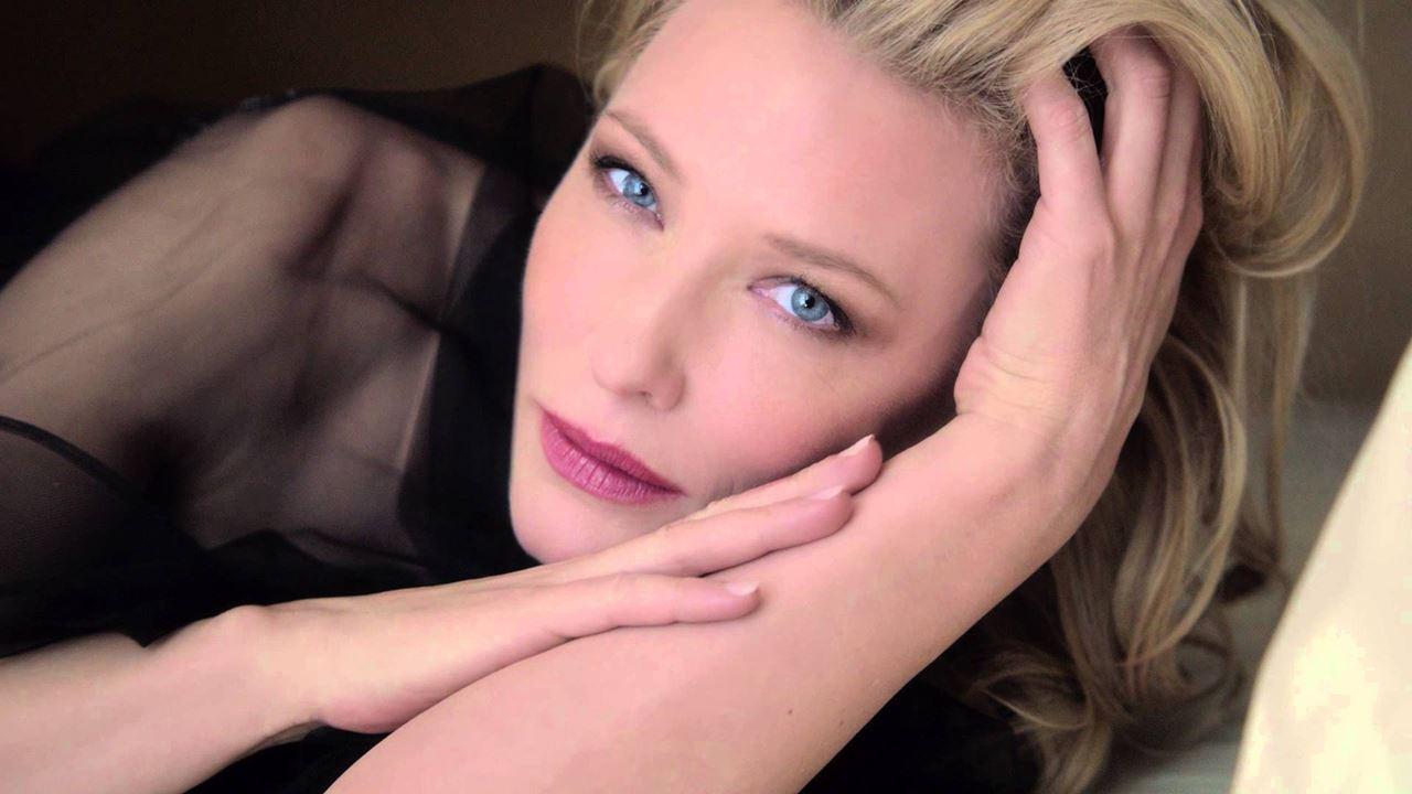 Cate PubblicitàL'attrice Del Tre Anni Da Blanchett Testimonial YE2e9HWDI