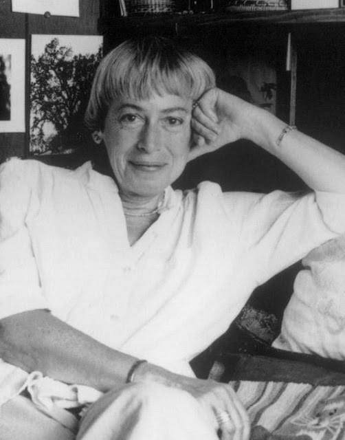 Ursula K. Le Guin, The Ones Who Walk Away From Omelas, Tales of mystery, Relatos de terror, Horror stories, Short stories, Science fiction stories, Anthology of horror, Antología de terror, Anthology of mystery, Antología de misterio, Scary stories, Scary Tales, Science Fiction Short Stories, Historias de ciencia ficcion