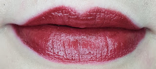 Avon mark. 3D Plumping Lipstick in Truffle lip swatch