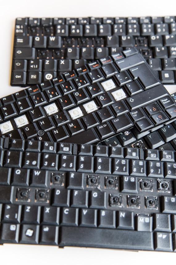 Vanhat tietokoneen näppäimistöt askartelumateriaaliksi