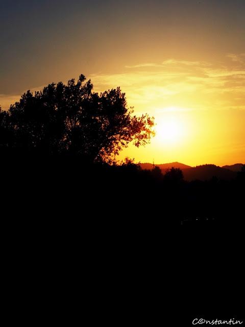 Soarele se îndreaptă leneş spre asfinţit - blog Foto-Ideea