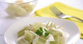 Cardos en salsa blanca