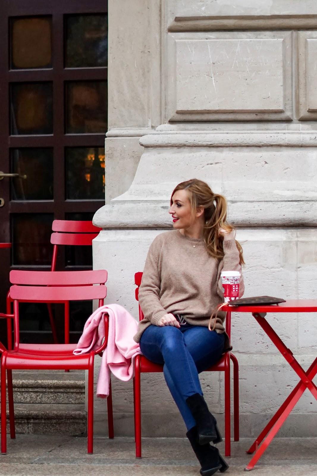 schwarze-stiefeletten-NA-KD-camelpullover-in-rosa-kombinieren-wie-kombiniere-ich-einen-rosa-pullover-Deutsche-fashionblogger-blogger-aus-deutschland-fashionstylebyjohanna-frankfurt-blogger-blogger-aus-Frankfurt-