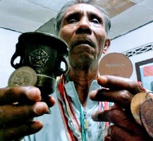Mantan atlet disabilitas Indonesia tahun 1976