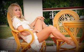 Horny and twerking - Isabella%2BD-S01-003.jpg