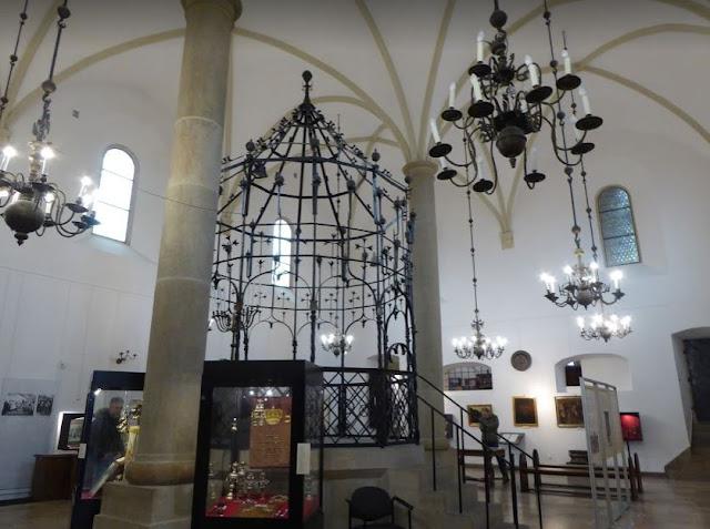 Interno della Vecchia Sinagoga di Cracovia