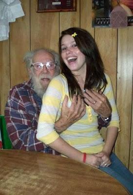 Witziges Familien Foto - Opa ist lustig
