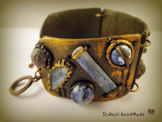 http://indrani-handmade.blogspot.ro/search/label/BIJUTERII%20CU%20PIATRA%20DE%20RAU