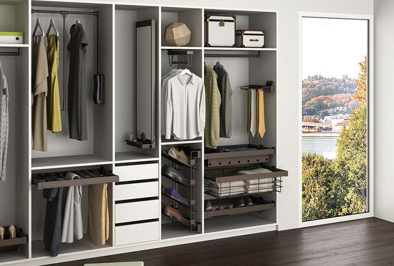 Scopri come organizzare un armadio perfetto