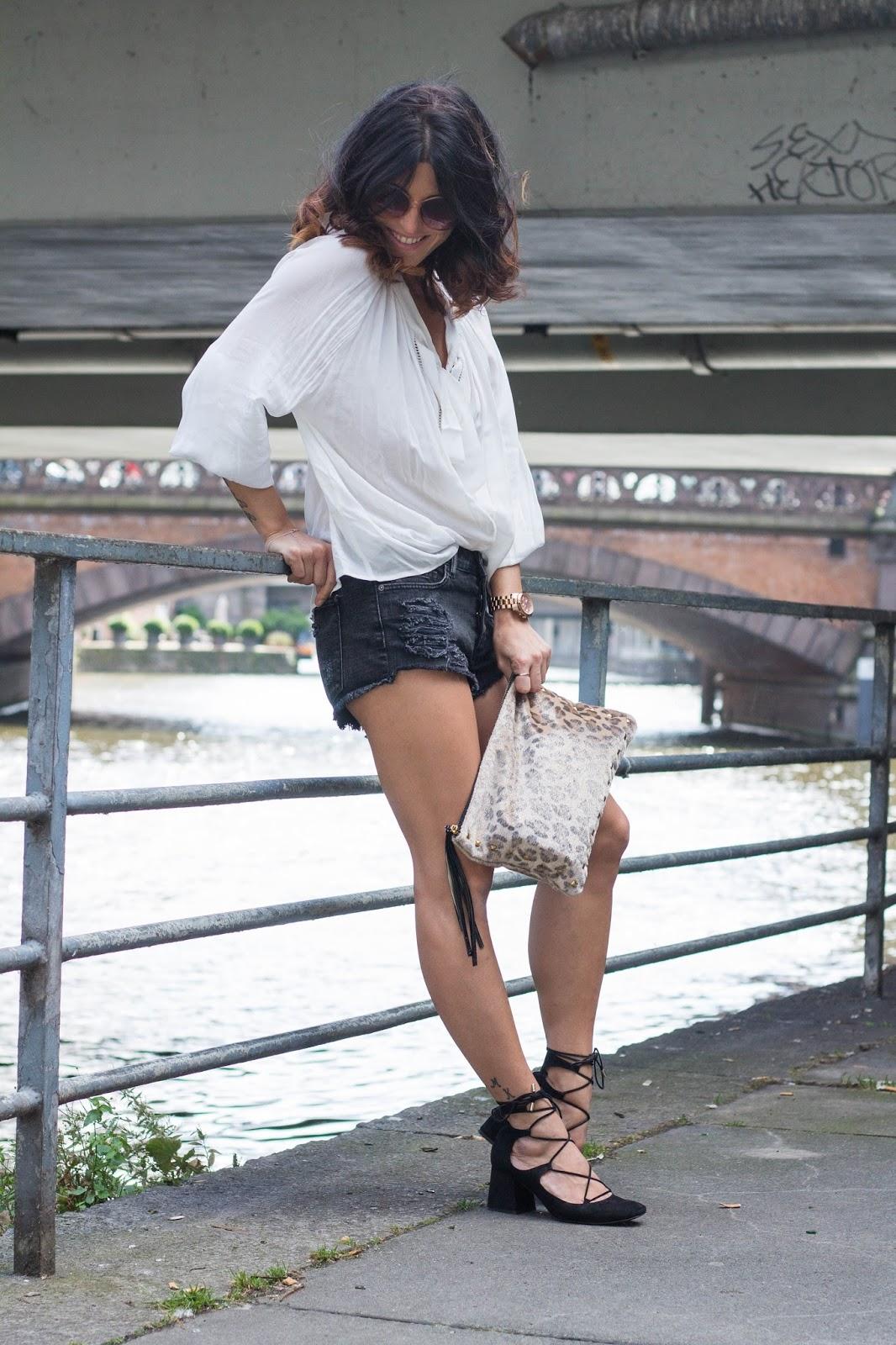http://fashionavenueabc.blogspot.de/2016/08/b.html