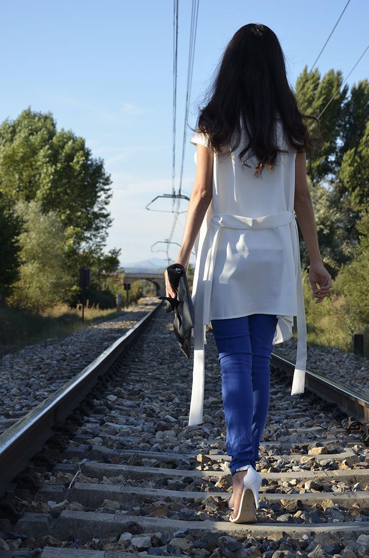 maxi-chaleco-azul-klein-jeans-choker-blogger-look-summer