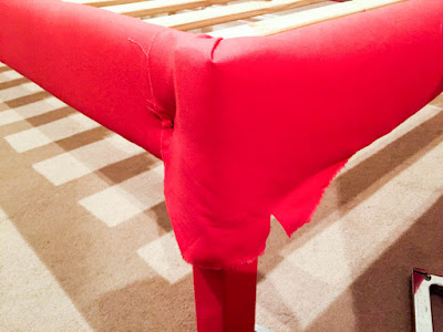 Upholstered bed frame Corners