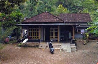 Rumah Tri Kasun Bondalem Hadiwarno