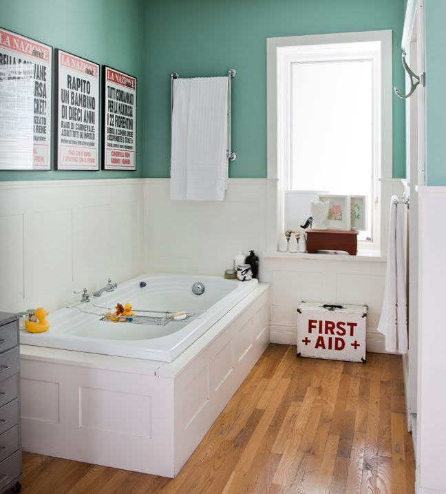 outstanding kids bathroom color | Alanna Cavanagh: Great bathroom + paint colour