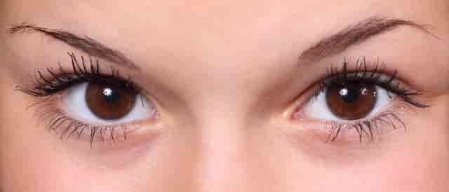 Makyaj Hilesi - Gözleri Büyük Göstermek İçin