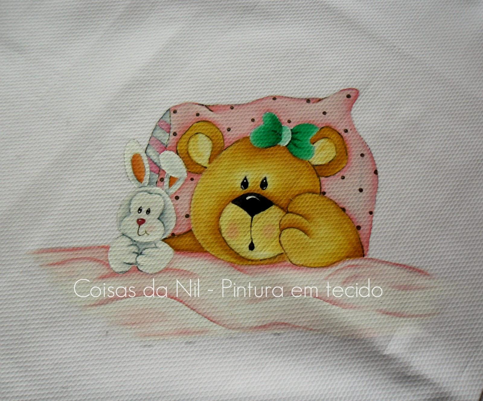 manta de piquet com pintura em tecido de ursinha com coelho