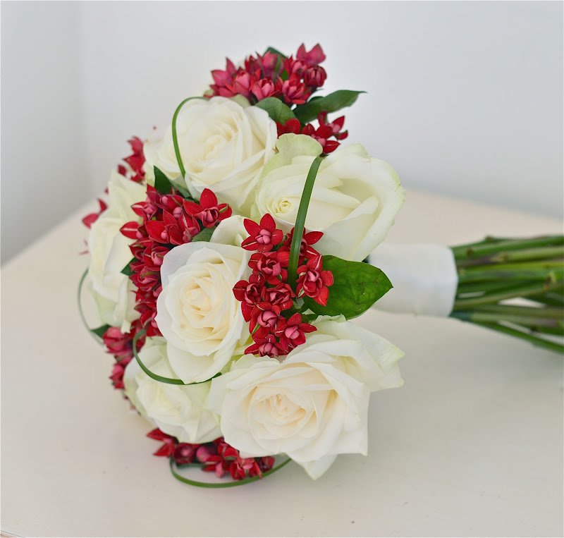 White And Red Wedding Flowers: Wedding Flowers Blog: Claire's Red And White Wedding