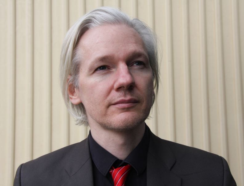 WikiLeaks founder Julian Assange publicly expressed his gratitude to the US government for rejecting WikiLeaks' US credit card and banking system in 2010