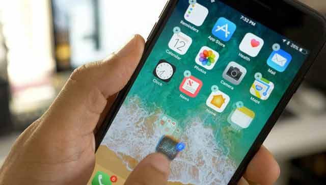 Baru setahun dipakai, iPhone sudah lemot.  Banyak pengguna iPhone mengeluhkan persoalan ini.  Anda harus tahu penyebab lemotnya iPhone seiring masa pemakaian.