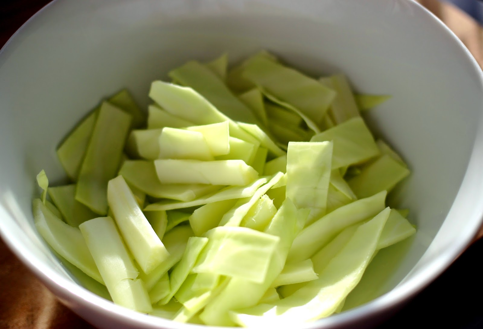Le Chameau Bleu - Feuilles de Chou  pour la recette des  pickles de légume