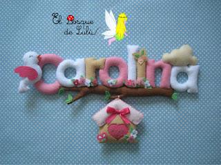 nombre-fieltro-Laura-elbosquedelulu-felt-feltro-name-banner-regalo-nacimiento-decoración-infantil-baby-room-casita-pájaritos-Carolina
