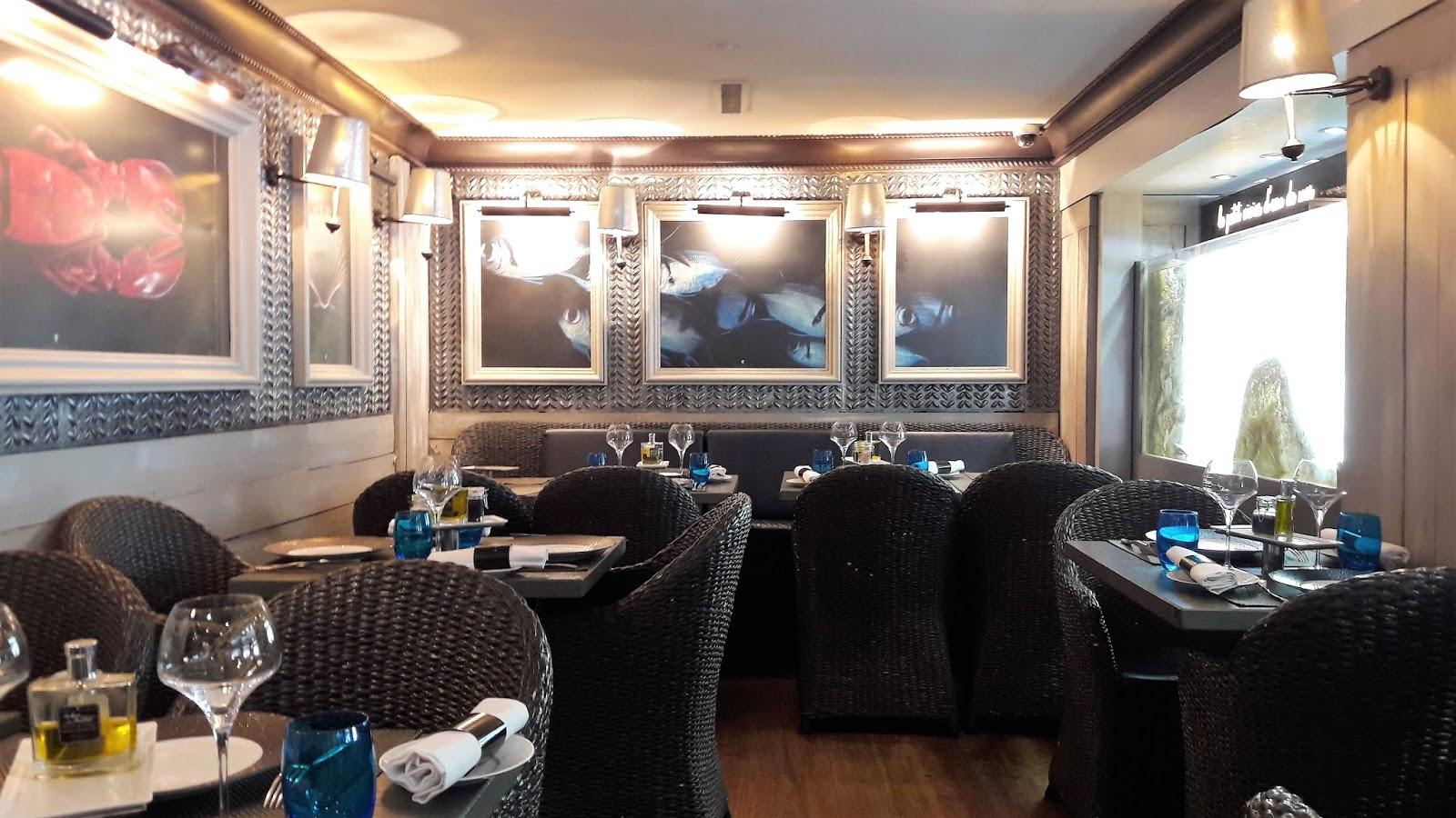 La carte estivale du bar hu tres restaurant de haute for Interieur huitre