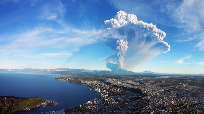 Wallpaper: Calbuco Volcano in Chile erupts