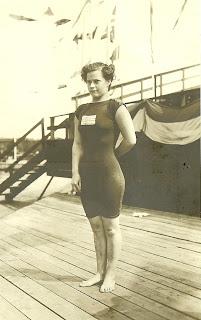 olympiska spelen första kvinnliga vinnaren