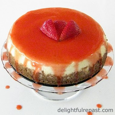 Slow Cooker Cheesecake / www.delightfulrepast.com