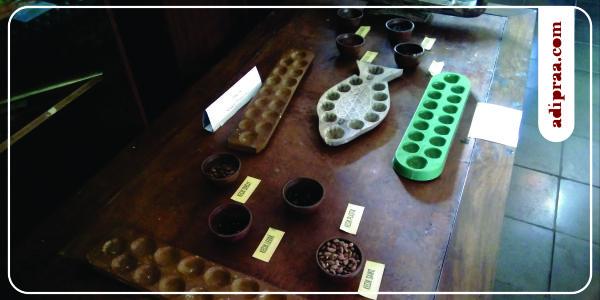 Koleksi Dakon dan Kecik Museum Tembi Rumah Budaya | adipraa.com