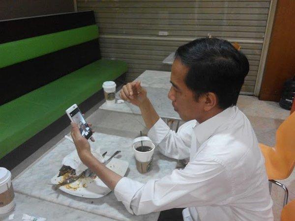 Jokowi : Medsos Di Indonesia Lebih Kejam Ketimbang Iran