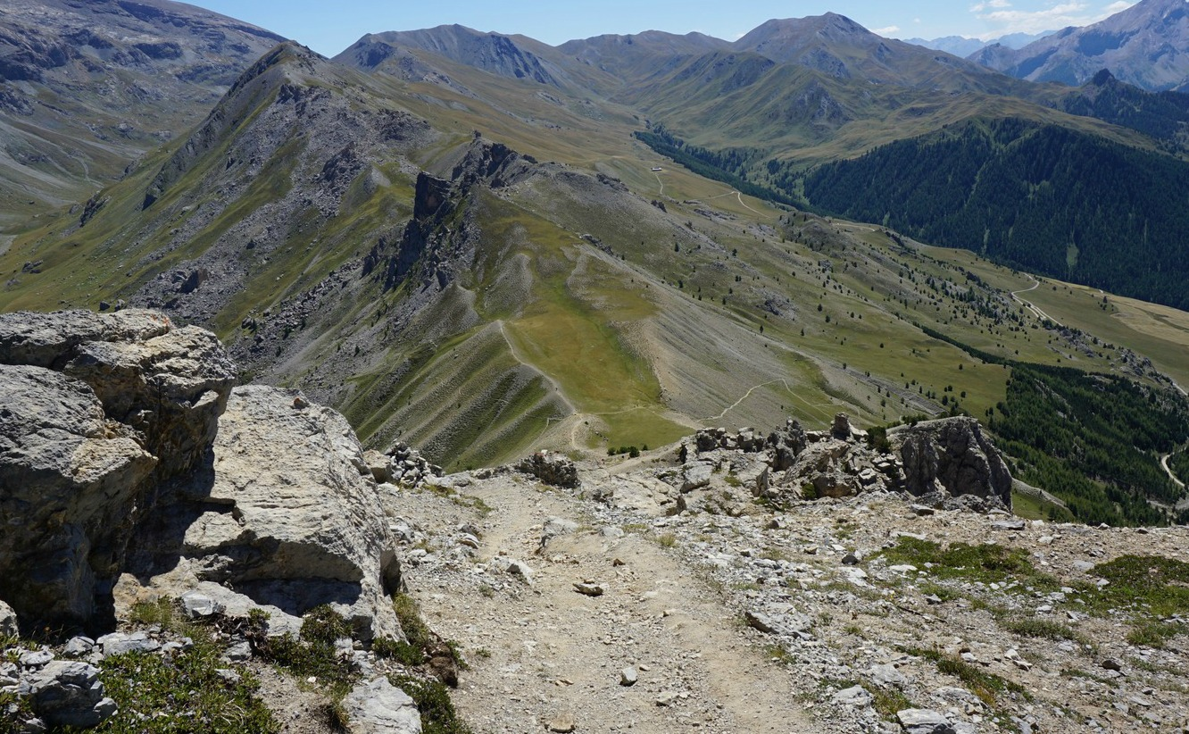 Descent to Col de la Coulette from Crête de Vars
