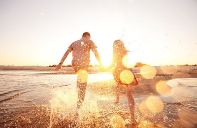 7 Perbedaan Nyata Lelaki Yang Mencintaimu dengan yang Tidak