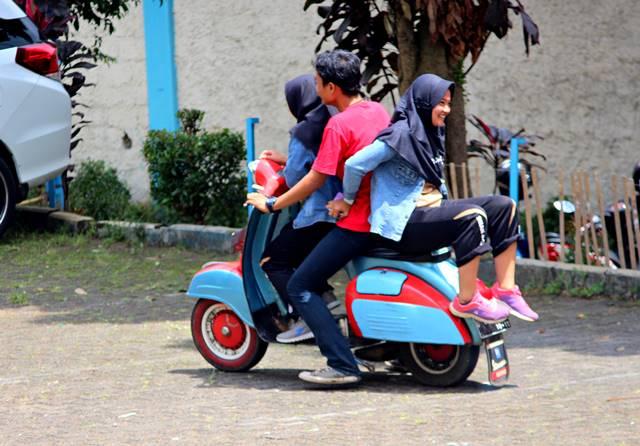 Mata Fotografer Jalanan Harus Sering Celingukan