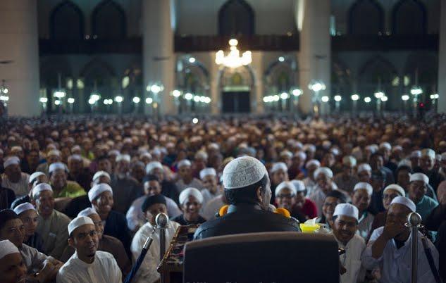 Cara Memilih Ulama yang Tepat Sebagai Rujukan Ilmu Agama Kita