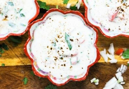 कैसे बनाएं खीरे का रायता बनाने की विधि (रेसिपी) | Kheera Raita Recipe in Hindi