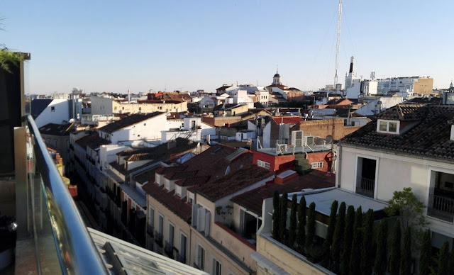 Vistas del atardecer desde la terraza del Urban, azotea. Tusolovive Madrid