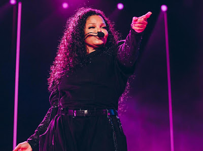 Janet Jackson Takes Her Iconic Moves And Grooves Live In Australia!