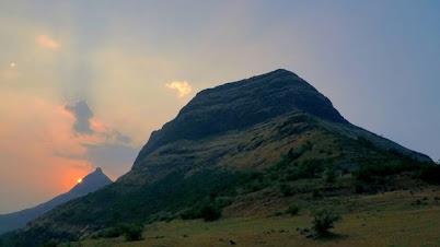 अचला किल्ला - Achala Fort