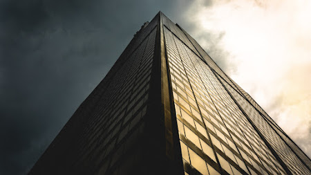 The Architecture of a Skyscraper iPad