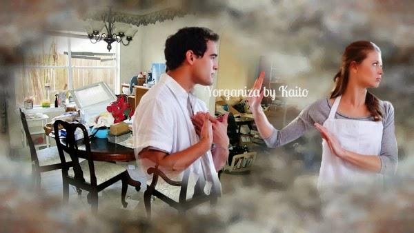 Casal discutindo por causa da desorgnização da casa