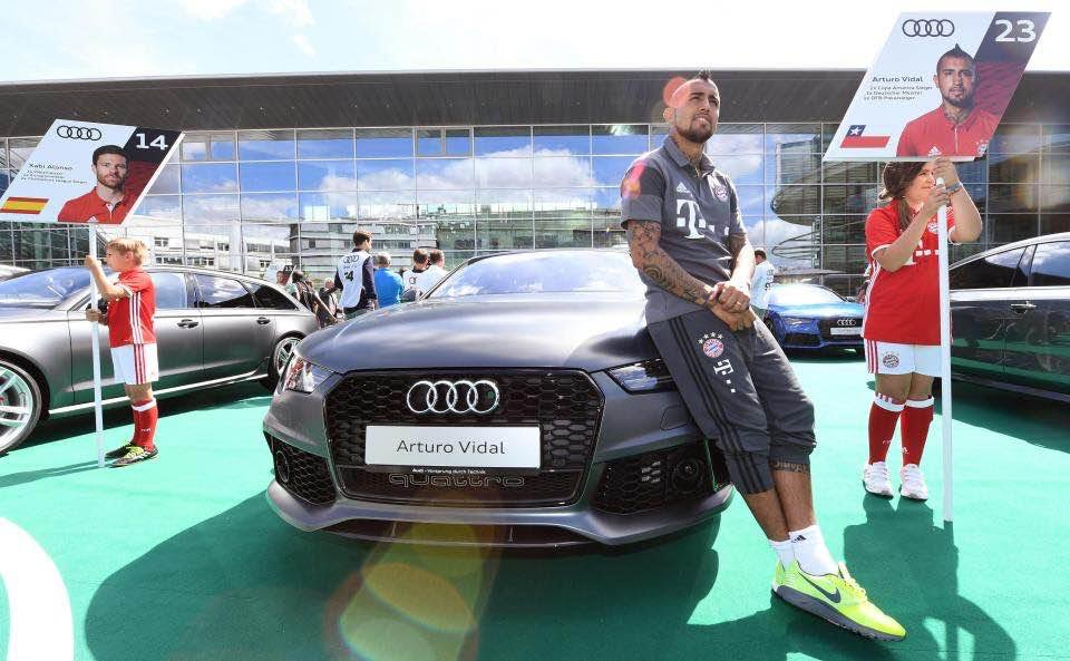 german champions bayern munich players coach gets new audi sports cars photos exlink. Black Bedroom Furniture Sets. Home Design Ideas