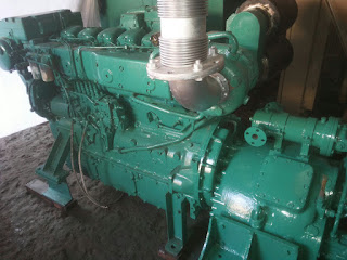 Volvo Penta TAD 121D, 350 HP, gearbox, propulsion engine, boat engine, second hand, used, reusable