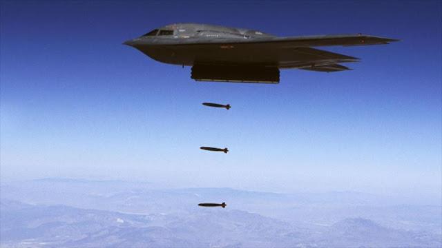 EEUU prueba una potente bomba atómica desde un bombardero B-2